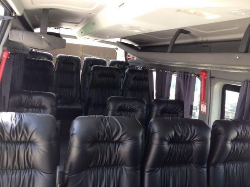 Transporte com Van Empresarial Ibirapuera - Transporte de Vans Executivo